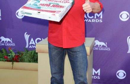John Schnatter Says  : In 30 days Papa John's author John Schnatter ate 40 pizzas and its deteriorated