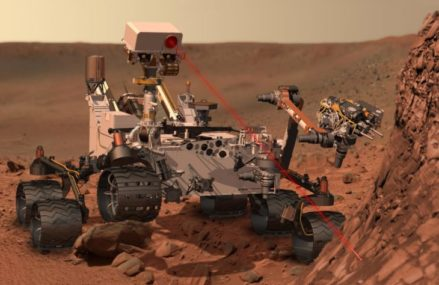 On Mars NASA's Curiosity meanderer endures glitch , Freezes up